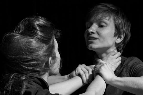 """Inszenierung von """"Die Zofen"""" im Juli 2014."""