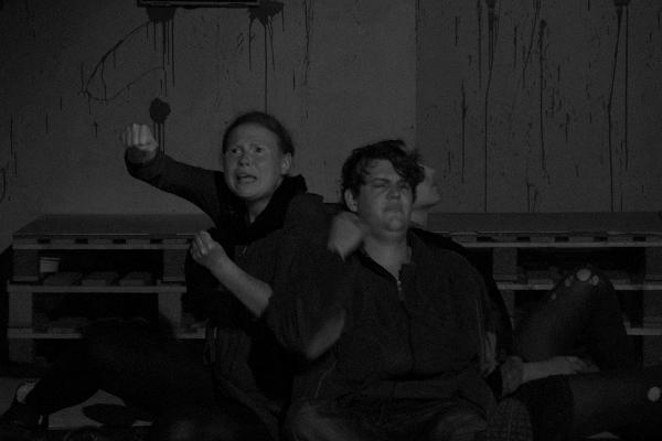 """Inszenierung von """"Die Heilige Johanna der Schlachthöfe"""" im Juli 2014."""