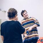 Linus Wirth hat Spaß bei den Proben zu Momo