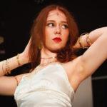 Anna-Lea Mackenroth als Helena